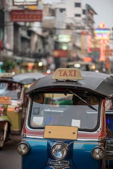 Tuk tuk à bangkok en thaïlande
