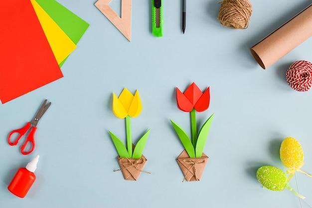Tulipes en papier coloré