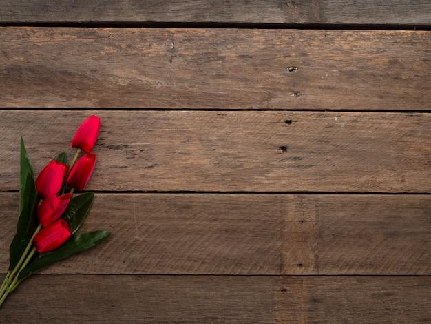 Tulipes rouges jour de pâques ou de printemps