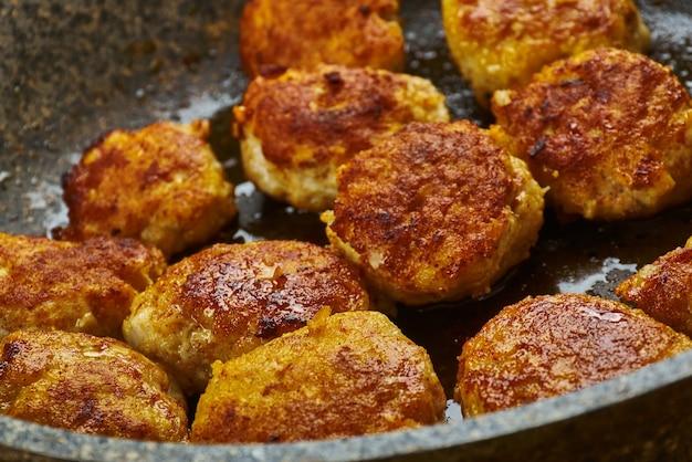 Tunde ke kabab comme kebab de galouti de viande de buffle, cuisine awadhi.