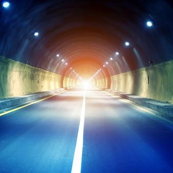 Tunnels et voiture