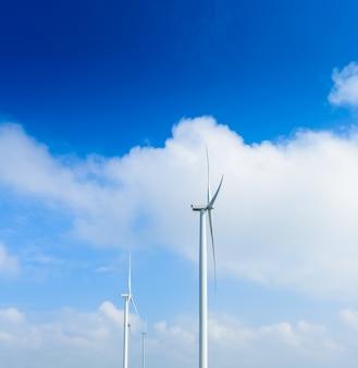 Turbine éolienne pour la production électrique à khao kho, petchaboon, thaïlande