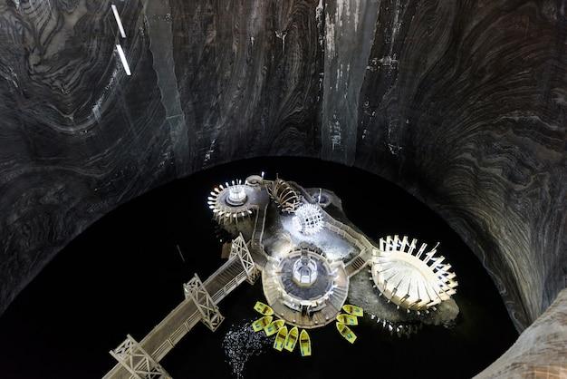 Turda, roumanie, immense mine de sel et musée souterrain