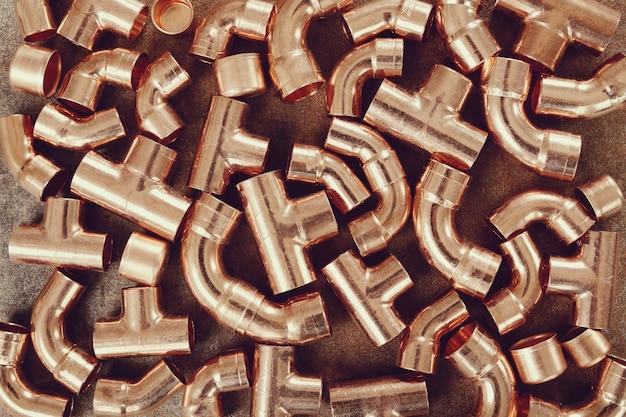 Des tuyaux de cuivre