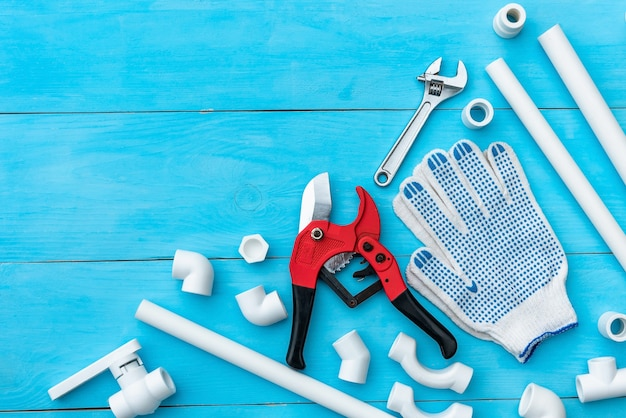 Tuyaux en plastique pour le système d'alimentation en eau, coupe de tuyaux et outils