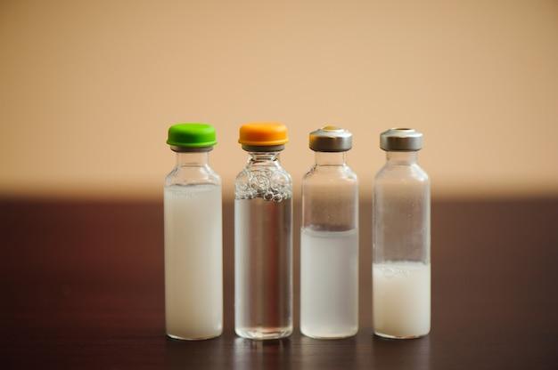 Types d'insulines pour le diabète, les soins de santé et le concept des personnes.