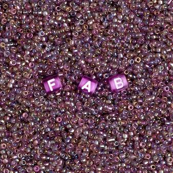 Typographie fabuleuse de perles de mot fabuleuses