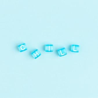 Typographie de texte de perles de lettre chill