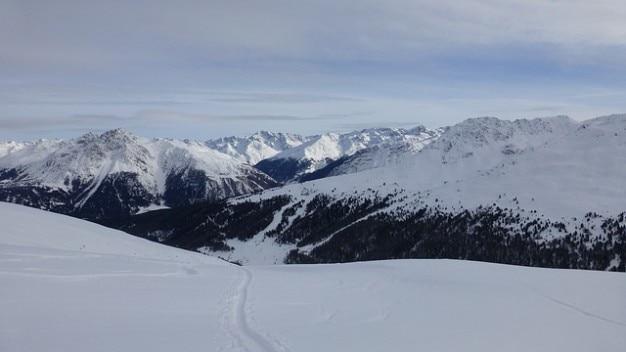 Tyrol du sud belle randonnée à ski italie plat rojental