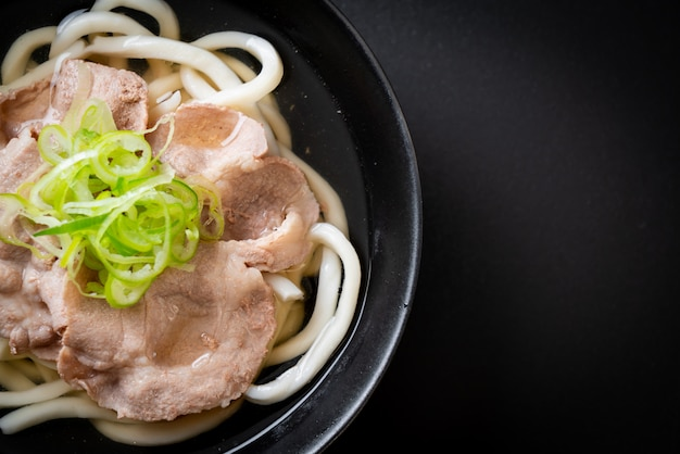 Udon ramen nouilles au porc