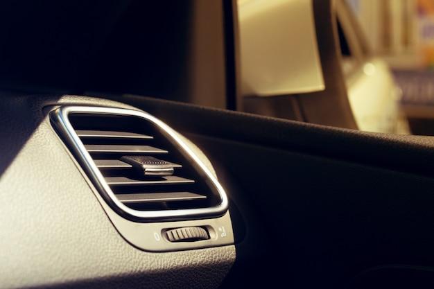 Unité de climatisation dans la nouvelle voiture