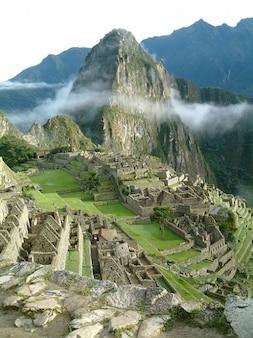 Urubambatal temple incas machu picchu andes peru