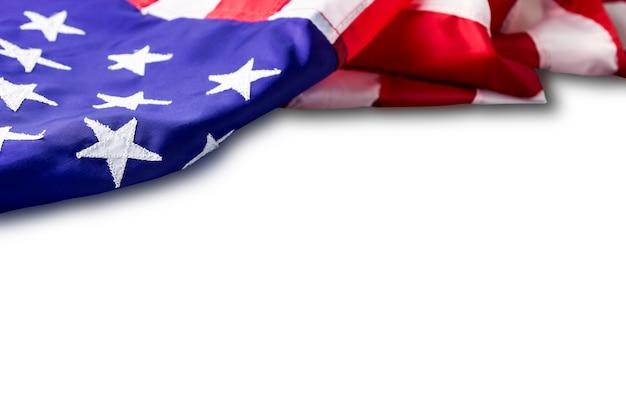 Usa ou drapeau américain isolé sur fond blanc avec un tracé de détourage