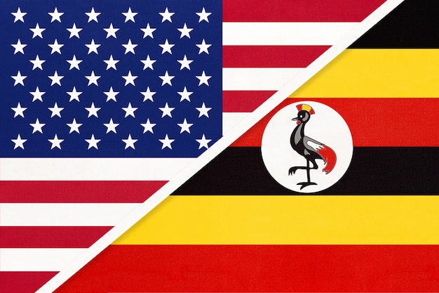 Usa vs drapeau national de la république d'ouganda à partir de textile.