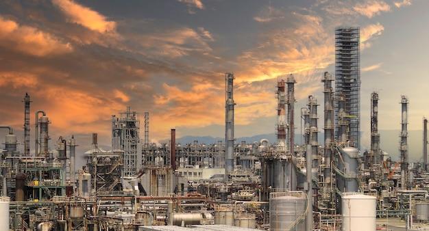 Usine d'usine pétrochimique de raffinerie de pétrole de la zone d'industrie chimique d'osaka du pétrole et du gaz du japon