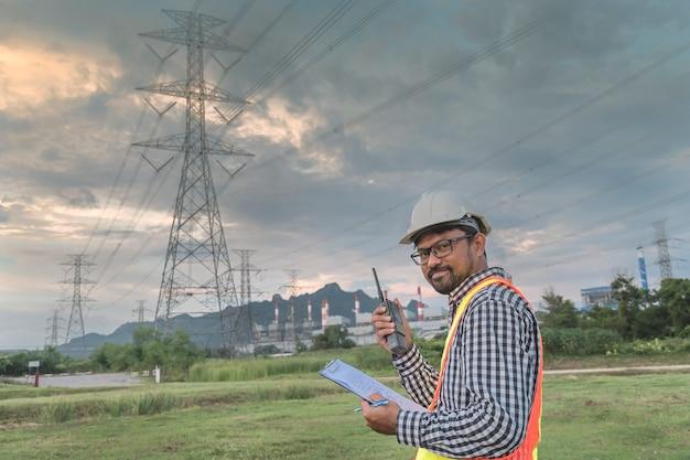 Des usines d'ingénierie pour produire de l'électricité.