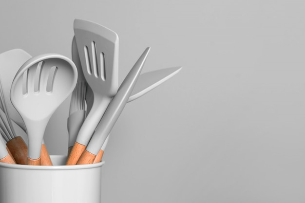 Ustensiles de cuisine gris