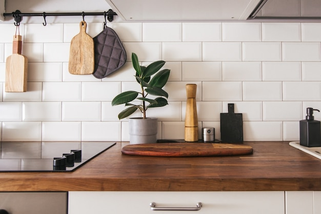 Ustensiles de cuisine en laiton, accessoires de chef.