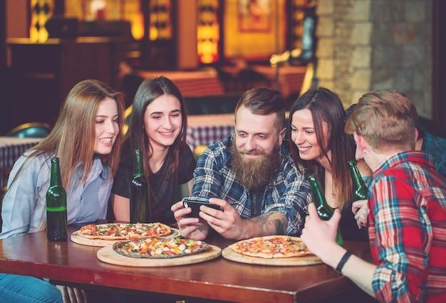 Utiliser les amis du groupe de photos de téléphone portable
