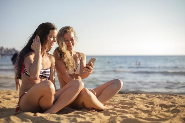 Utiliser une application sur la plage