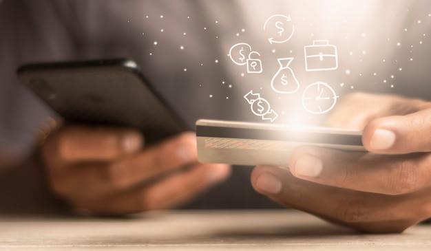 Utilisez des cartes de crédit pour les transactions en ligne et disposez d'icônes sur la gestion de l'argent