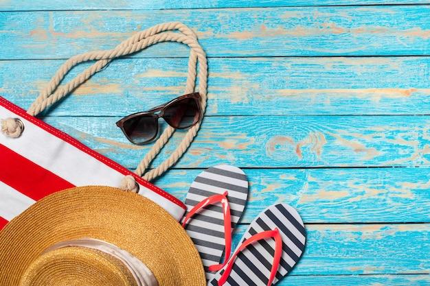 Vacances d'été avec des articles de plage
