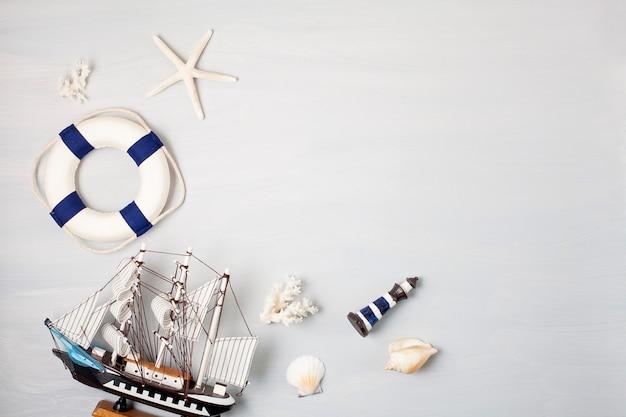 Vacances d'été, voyage, concept de tourisme plat poser