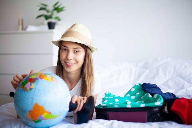 Vacances, femme qui se prépare au repos