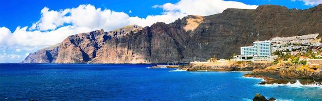 Vacances et monuments à tenerife - roches impressionnantes de los gigantes