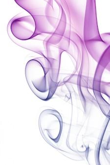 Vague et fumée de différentes couleurs isolées sur blanc