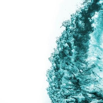 Vague de mer photographiée à bord d'un voilier