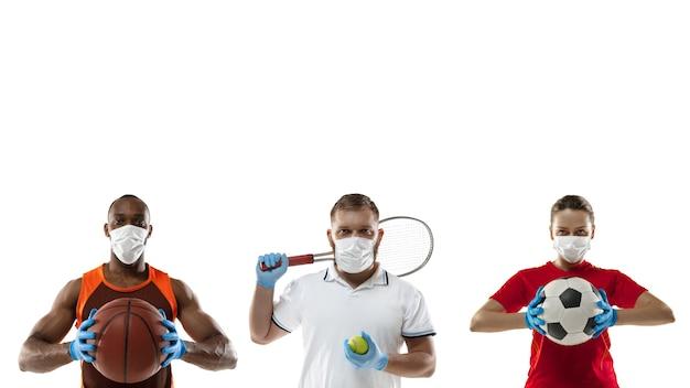 Vaincre la maladie. sportifs en masques de protection, gants. prévention des symptômes respiratoires de la pneumonie. basket-ball, football et tennis. coronavirus chinois. santé, médecine, concept sportif.