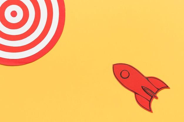 Vaisseau spatial avec jeu de fléchettes