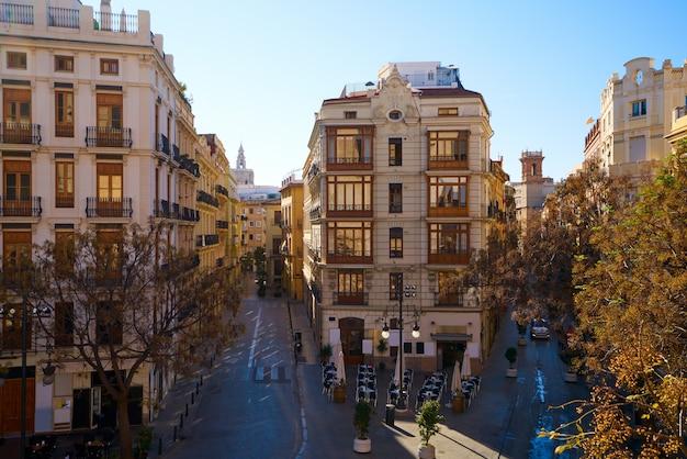 Valencia a serranos vue sur la rue