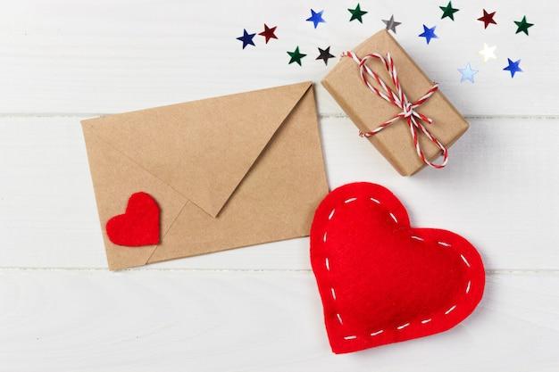 Valentine joyeux dans la décoration de vacances, copiez l'espace pour la conception.