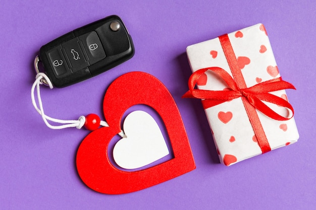 Valentine joyeux dans la décoration de vacances.