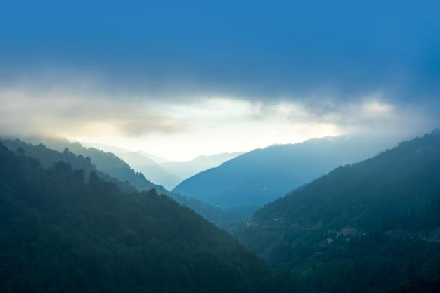 Vallée de macahel dans l'est de la mer noire artvin turquie