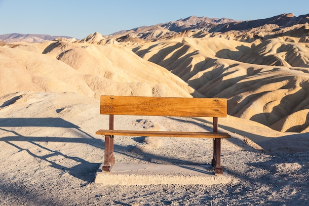 Vallée de la mort, californie. panorama depuis zabriesie point au coucher du soleil