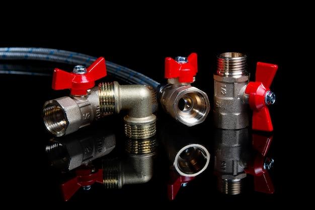 Vannes à bille de porte de plomberie, tuyau d'eau flexible et raccords
