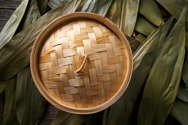 Vapeur en bambou de cuisine asiatique pour la cuisson à la vapeur