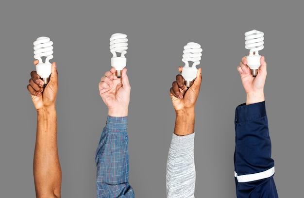 Variation mains tenant des lumières led