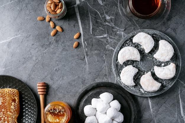 Variété de biscuits sucrés traditionnels grecs