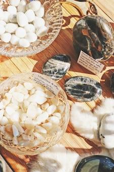 Variété de cristaux et de roches