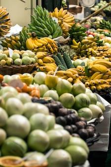 Variété de fruits exotiques