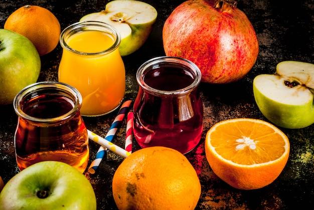 Variété de fruits et jus de fruits frais