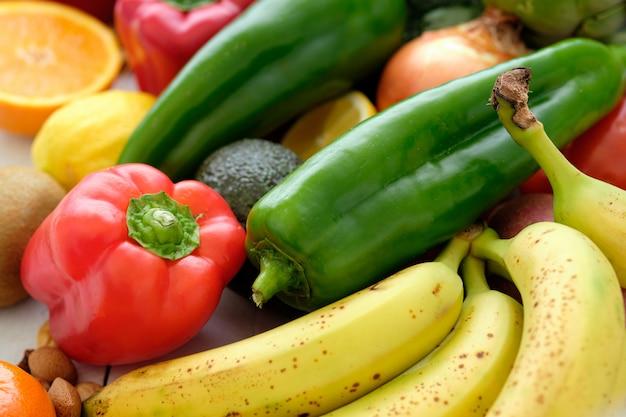 Variété de légumes frais
