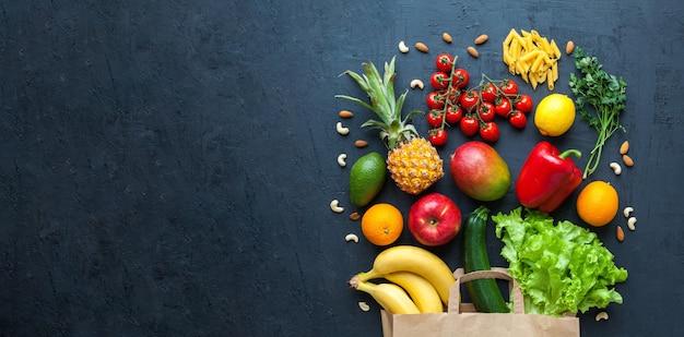 Variété de légumes et de fruits