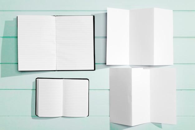 Variété de motifs pour les cahiers vides d'espace de copie