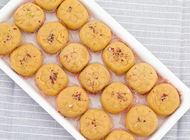 Variété sucrée la plus populaire de peda indienne