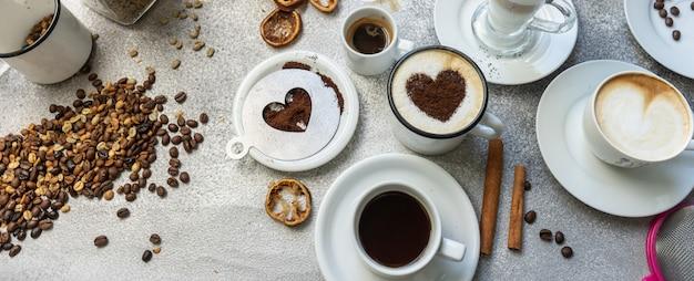 Variétés de café sur la surface de la pierre